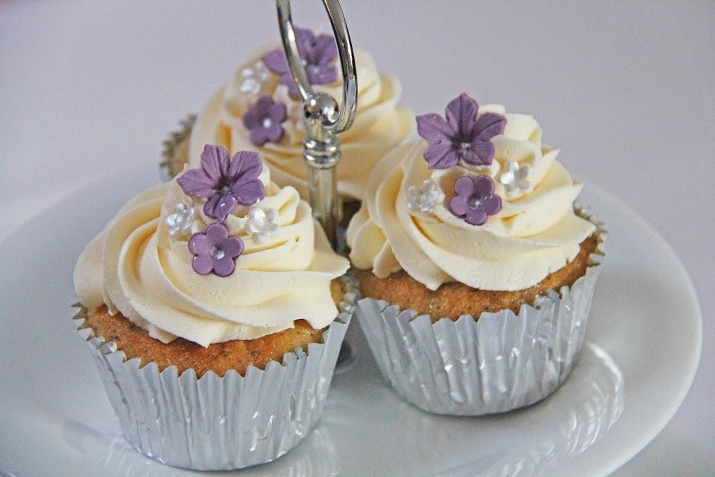 Opskrift p vanilje cupcakes med hakket chokolade og - Dekoration muffins ...
