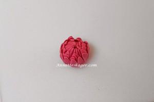 Guide til en Dahlia blomst i fondant