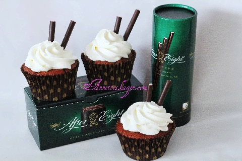 After eight Cupcakes med flødeskum
