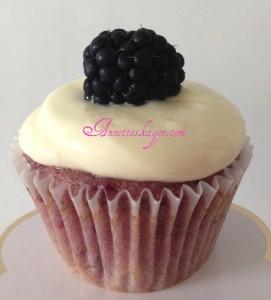 Brombær cupcakes