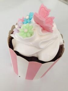 chokolade cupcakes med smeltet chokolade