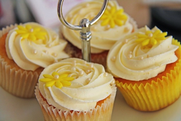 Citron muffins med citron frosting - Annettes kager