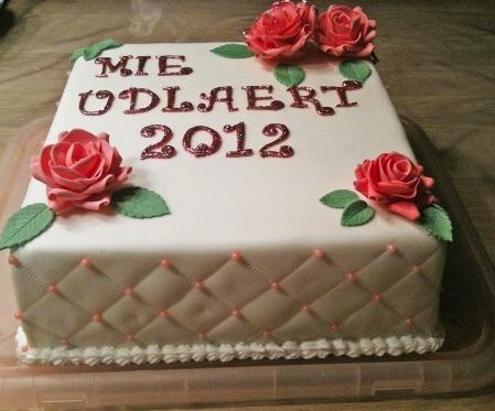 En kage til vores nyudlærte elev Mie:)