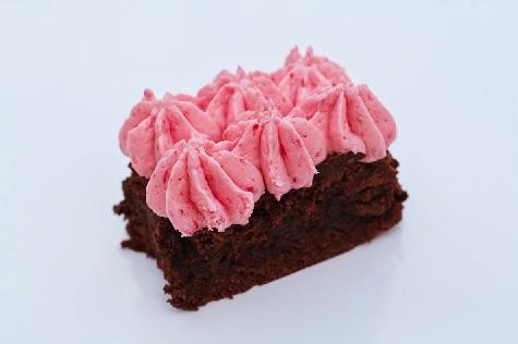 Brownie med hindbærfrosting 3
