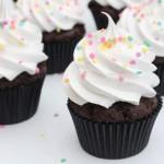 Chokolade cupcakes med frosting