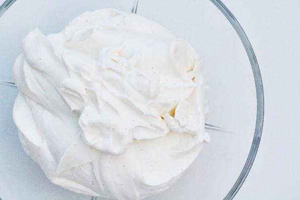 Hjemmelavet is af kondenseret mælk