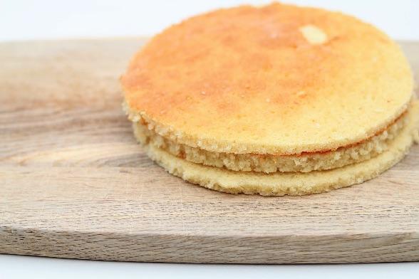 Lyse lagkagebunde bagt i bradepande - Annettes kager