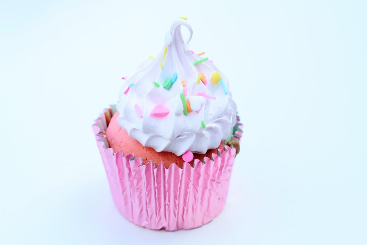 Nemme regnbue muffins - Annettes Kager