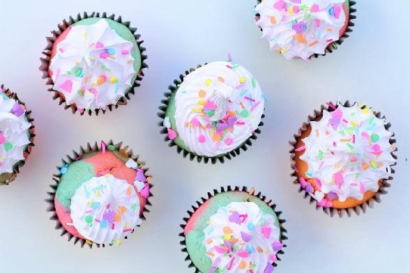 Regnbue muffins