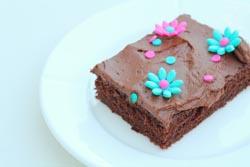 Chokoladekage med smeltet chokolade