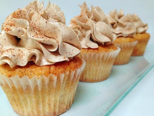Cupcakes med æble og marcipan
